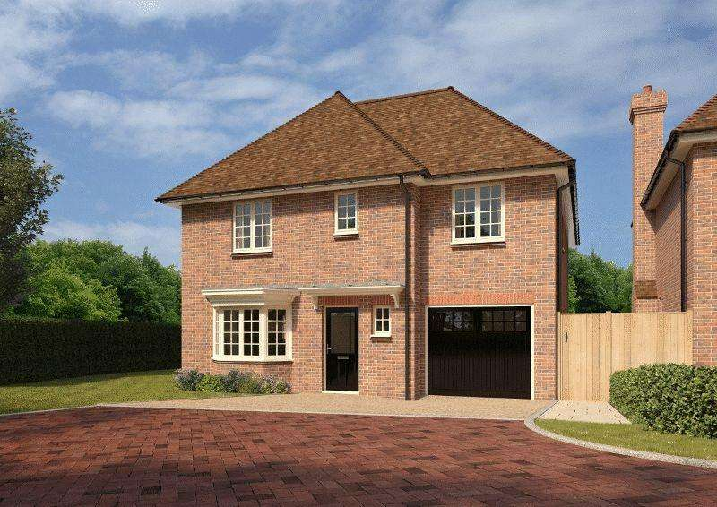 4 Bedrooms Detached House for sale in College Road, Ardingly