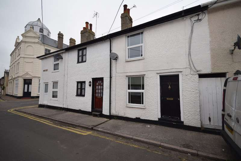 2 Bedrooms Terraced House for sale in Francis Street, Colchester, Essex, CO7