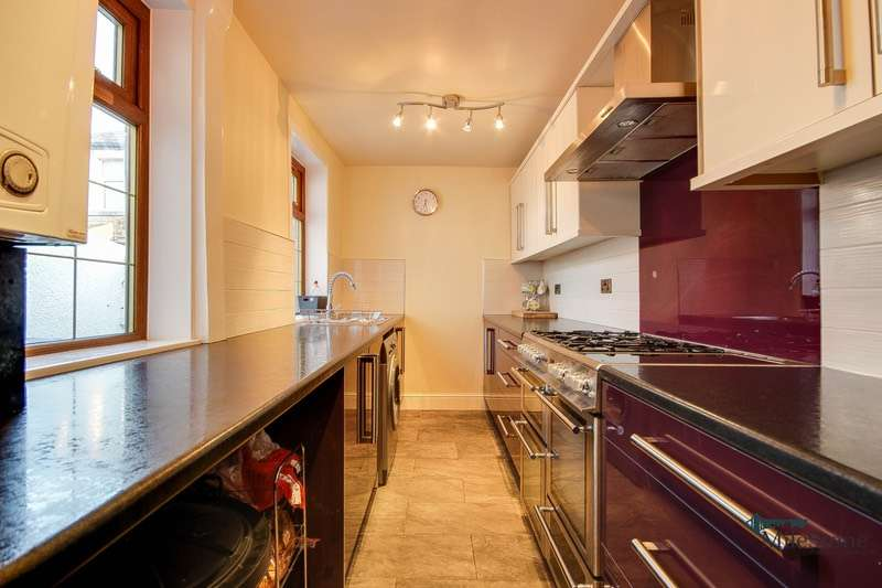 2 Bedrooms Terraced House for sale in Cleaver Street, Burnley, Lancashire, BB10