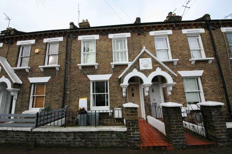 2 Bedrooms Terraced House for sale in Eversleigh Road, London, London, SW11