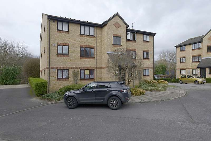 1 Bedroom Flat for sale in Dehavilland Close, Northolt, Middlesex, UB5