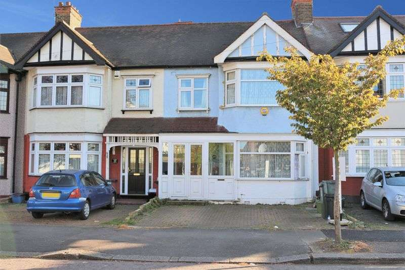 3 Bedrooms Terraced House for sale in Otley Drive, Ilford