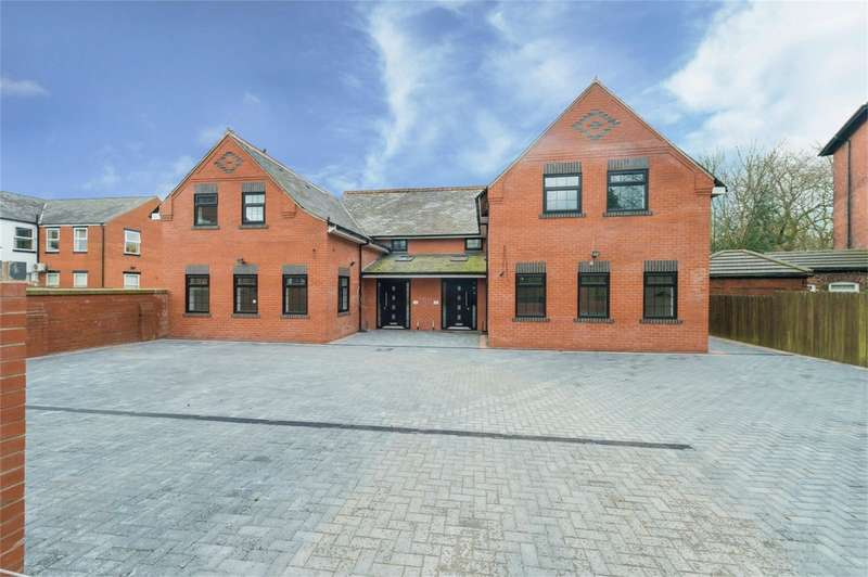 9 Bedrooms Detached House for sale in Laurel Street, Heaton, Bolton, Lancashire