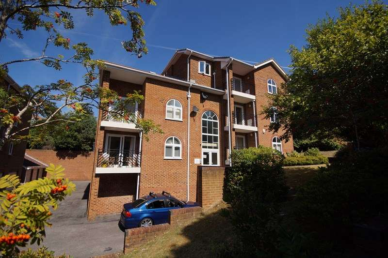 2 Bedrooms Flat for sale in Belle Vue Road, Lower Parkstone, Poole