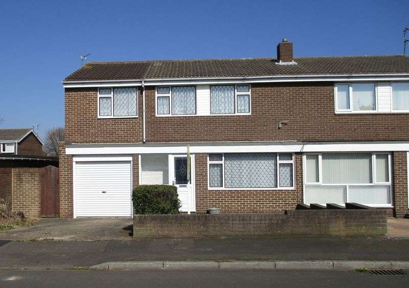 4 Bedrooms Semi Detached House for sale in Holystone Close, Blyth