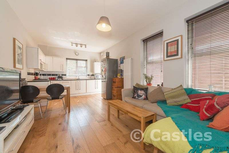 2 Bedrooms Flat for sale in Alfoxton Avenue N15