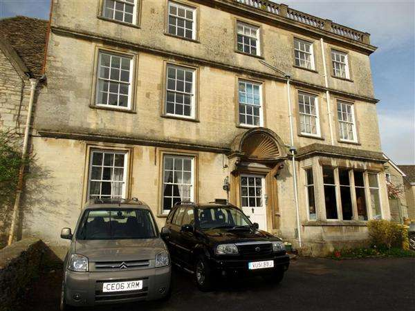 2 Bedrooms Apartment Flat for sale in Springhill House, Spring Hill, Nailsworth