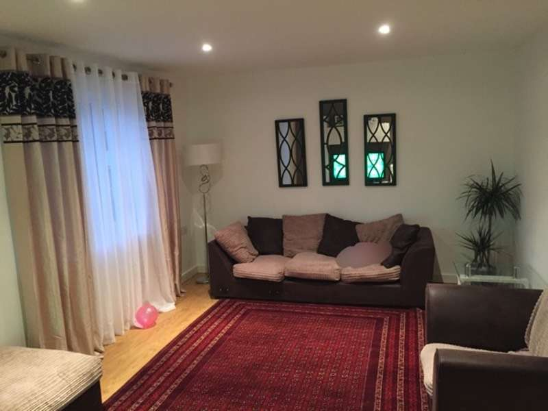 3 Bedrooms Detached House for sale in Archer avenue, Southend on Sea, Essex, SS2
