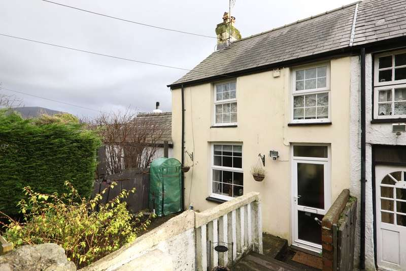 2 Bedrooms Semi Detached House for sale in Coed Madog Road, Caernarfon, Gwynedd, LL54