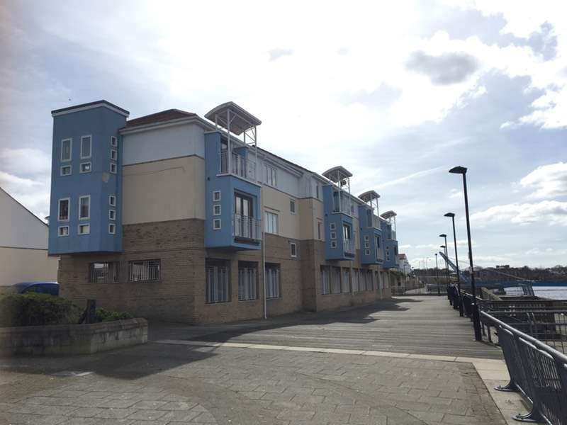 2 Bedrooms Flat for sale in Broad Landing, South Shields, Tyne and Wear, NE33