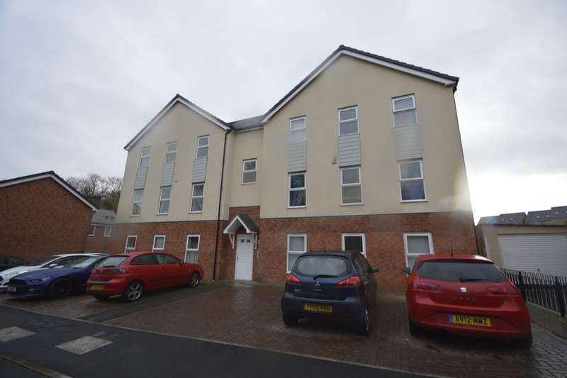 2 Bedrooms Flat for sale in Bradfield Way, Dudley, DY1