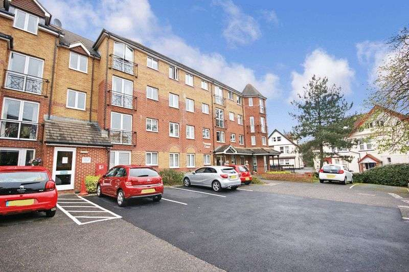 1 Bedroom Retirement Property for sale in Viscount Court, Bournemouth, BH5 1AF
