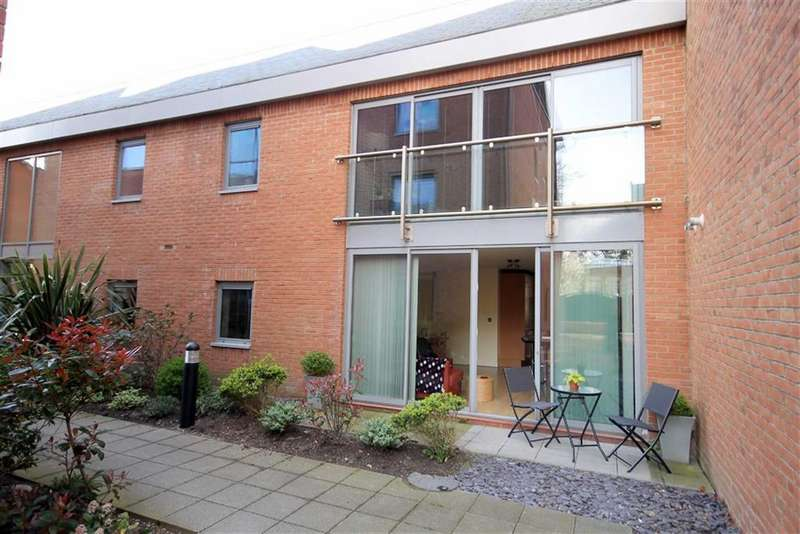 2 Bedrooms Property for sale in The Gatehouse, Lytham, Lytham