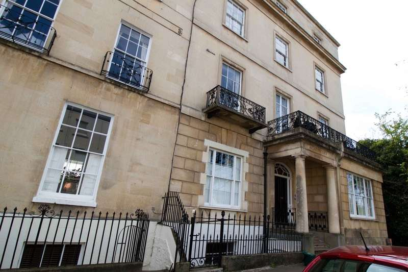 2 Bedrooms Flat for sale in Suffolk Place, Cheltenham, Gloucestershire, GL50