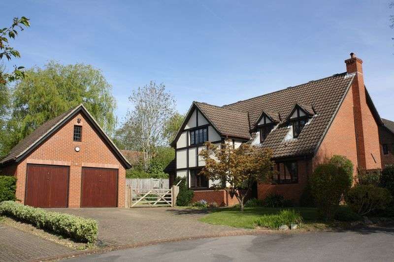 4 Bedrooms Detached House for sale in Brooklynn Close