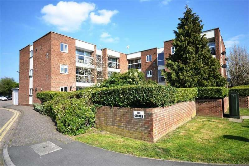 2 Bedrooms Apartment Flat for sale in The Cedars, South Woodham Ferrers, Essex