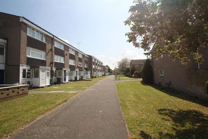 3 Bedrooms Flat for sale in Wheatfield Way, Chelmsford