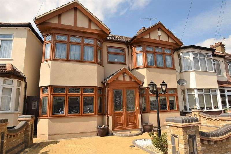4 Bedrooms House for sale in Romford