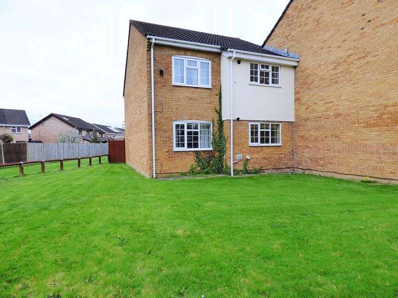 2 Bedrooms Flat for sale in Carters Orchard, Gloucester
