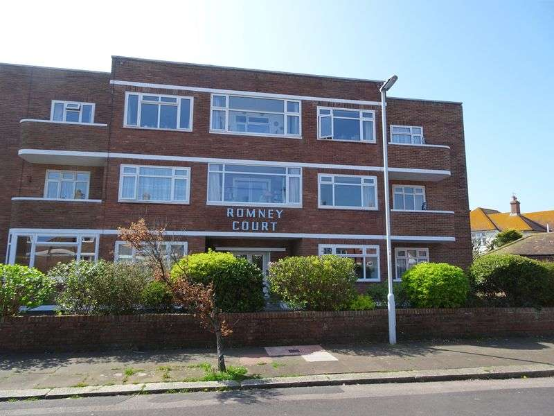 2 Bedrooms Flat for sale in Winchelsea Gardens, Worthing