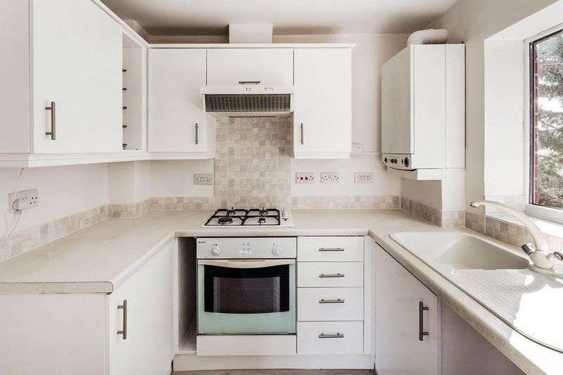 2 Bedrooms Flat for sale in Franklin Way, CROYDON
