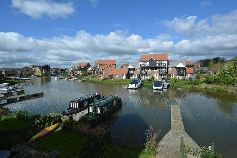 2 Bedrooms House for sale in Park Lane, Burton Waters, Lincoln