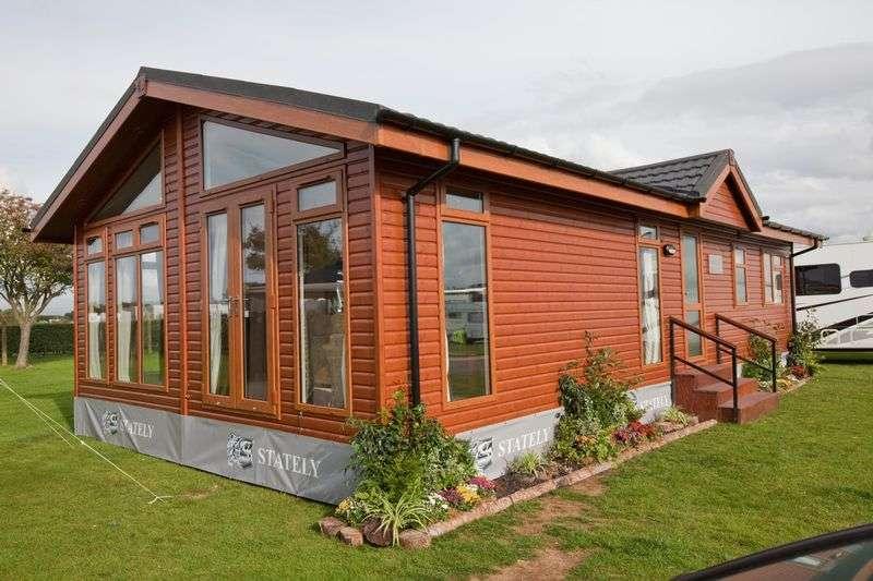 2 Bedrooms Property for sale in Warren Park, Warrant Road, Stoke on Tern, Market Drayton, Shropshire, TF9 2DZ