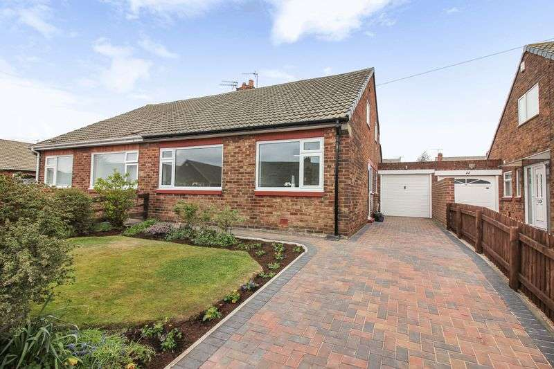 2 Bedrooms Semi Detached Bungalow for sale in Burnt House Road, Whitley Bay