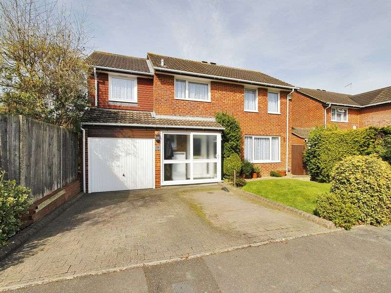 4 Bedrooms Detached House for sale in The Grooms, Worth, Crawley, West Sussex