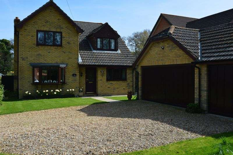 4 Bedrooms Detached House for sale in New Road, Porchfield
