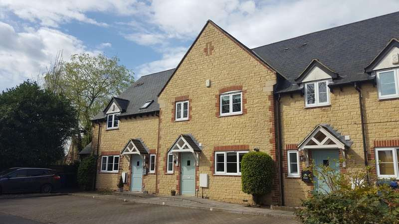 3 Bedrooms Terraced House for sale in The Crossway, Ardley, Oxfordshire, OX27