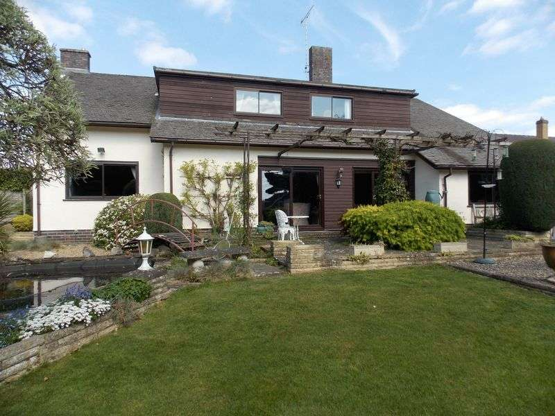 6 Bedrooms Detached House for sale in Thedwastre Road, Thurston