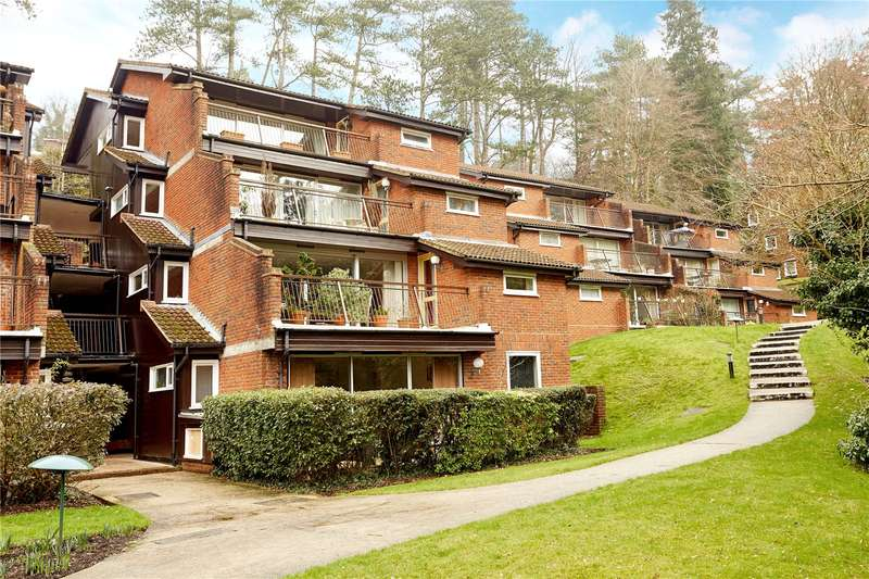 3 Bedrooms Flat for sale in Succombs Place, Southview Road, Warlingham, Surrey, CR6