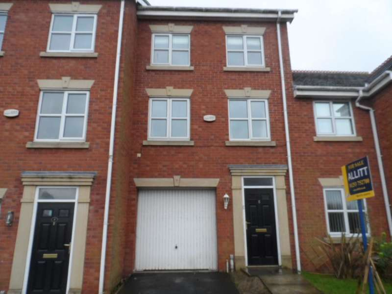 3 Bedrooms Property for sale in 5, Blackpool, FY3 9NZ
