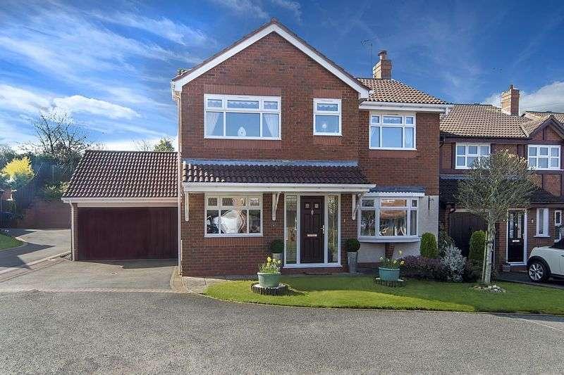 4 Bedrooms Detached House for sale in Bridgewater Drive, Wombourne, Wolverhampton