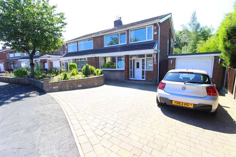 3 Bedrooms Semi Detached House for sale in Longmeadow Road, Knowsley Village, Prescot