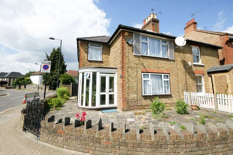 4 Bedrooms Semi Detached House for sale in Eastcote Road, Pinner