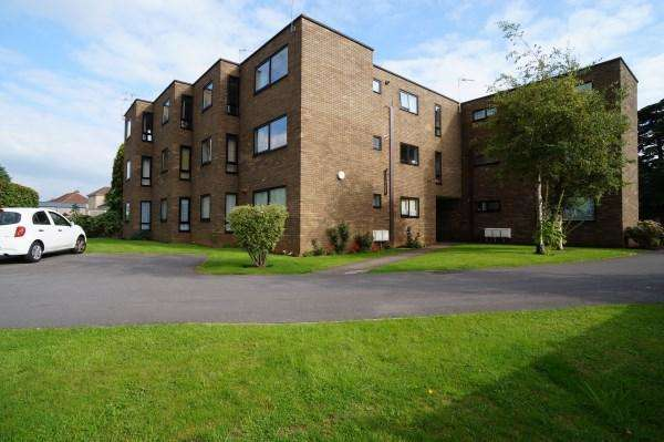 3 Bedrooms Apartment Flat for sale in Salisbury Park, Salisbury Road, Downend, Bristol, BS16 5RY