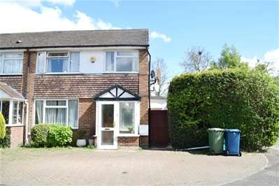 3 Bedrooms Terraced House for sale in Fontwell Close, Harrow Weald