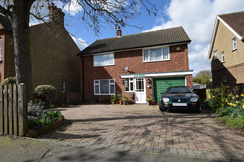 4 Bedrooms Detached House for sale in Hare Street, Harlow, CM19