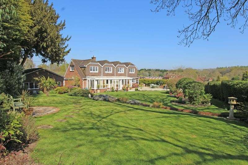 6 Bedrooms Detached House for sale in Brook