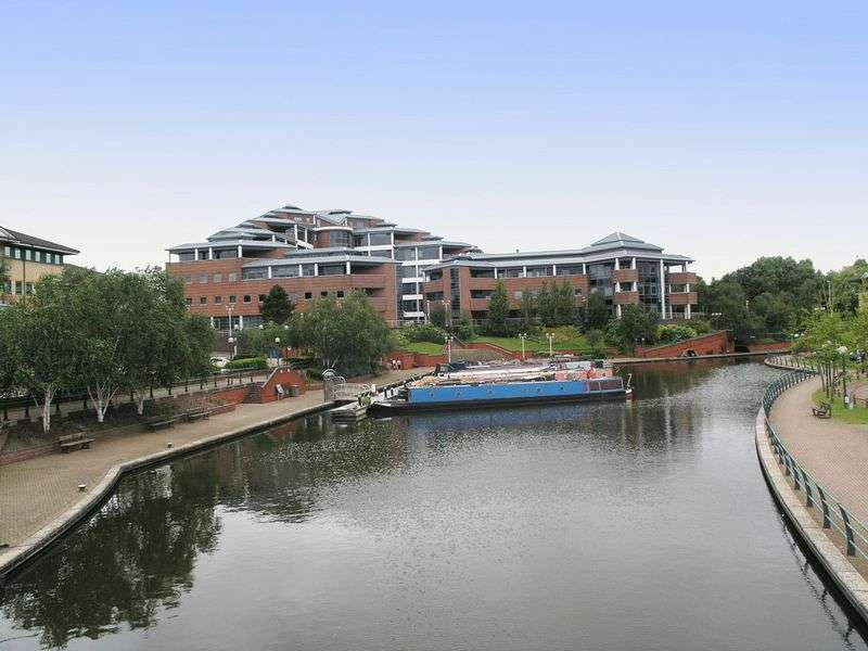 1 Bedroom Flat for sale in BRIERLEY HILL, Waterfront West, The Landmark