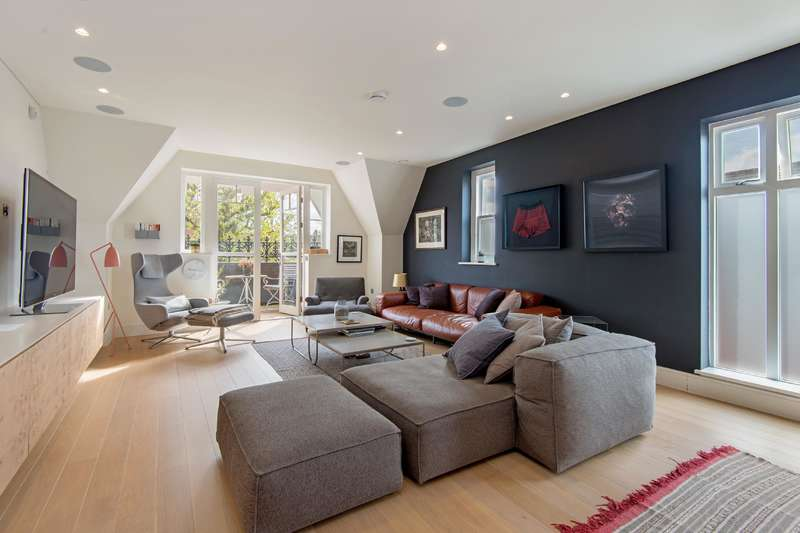 2 Bedrooms Flat for sale in Netherhall Gardens, Hamsptead