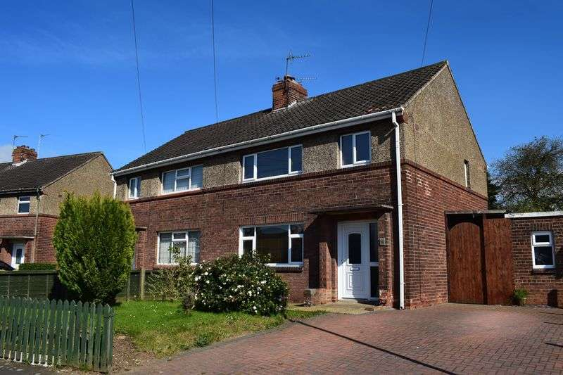 3 Bedrooms Semi Detached House for sale in Mount Avenue, Barton-Upon-Humber