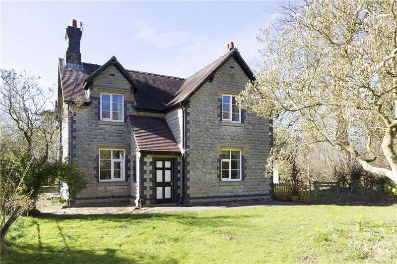 3 Bedrooms Detached House for sale in Croome D'abitot, Severn Stoke, Worcester, Worcestershire, WR8