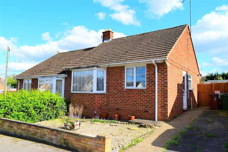 2 Bedrooms Semi Detached House for sale in James Road, Wellingborough, NN8 2LR