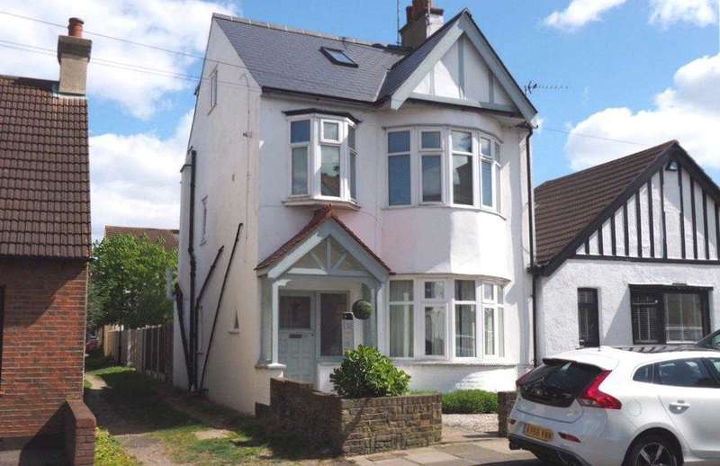 3 Bedrooms Maisonette Flat for sale in Leigh on Sea