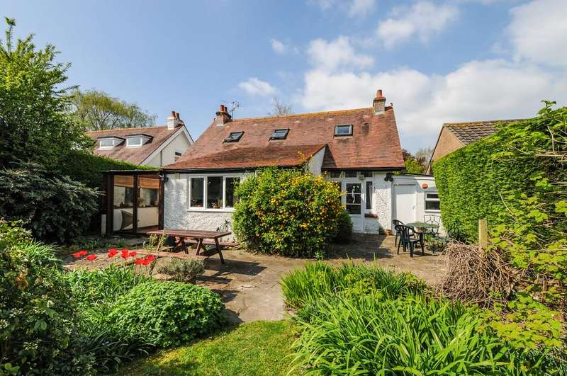 4 Bedrooms Detached House for sale in Downview Road, Barnham
