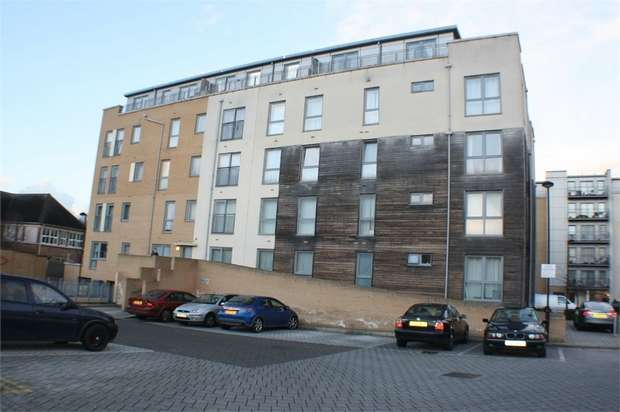 1 Bedroom Flat for sale in Fortune Avenue, EDGWARE, UK