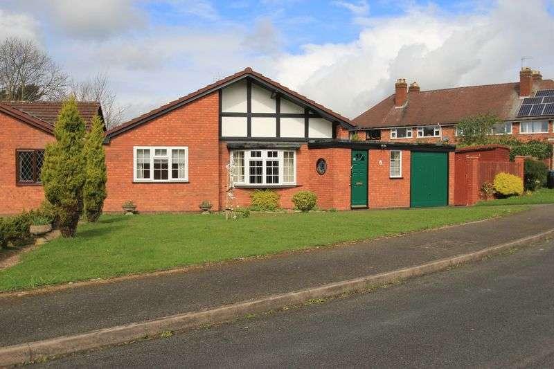 2 Bedrooms Detached Bungalow for sale in Kingfisher Walk, Penkridge, Stafford, ST19